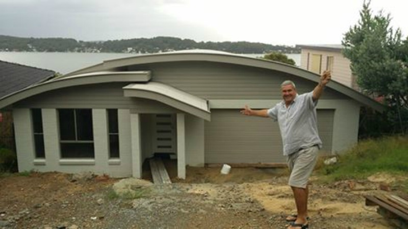 sloping-block-new-home